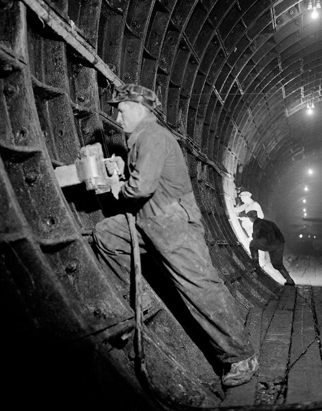 строительство метро Арбатско-Покровской линии в Москве, 1944 год.