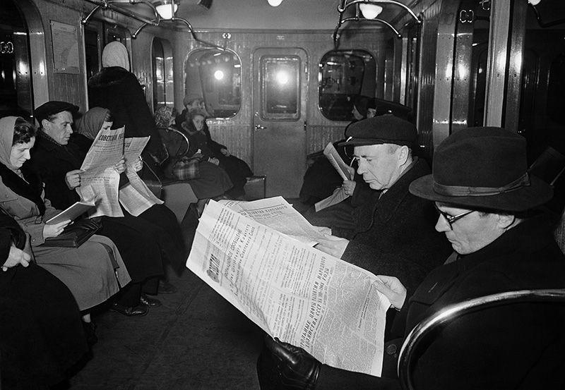 В 1950-е годы Кольцевая линия метрополитена была построена. 1958 год.