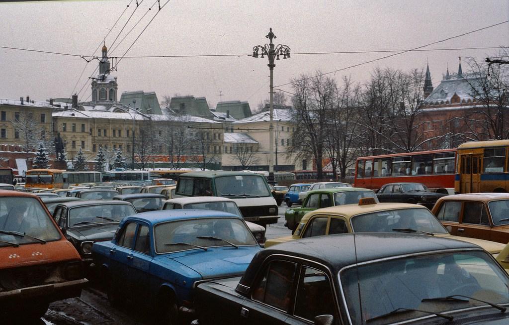 Автомобильная пробка в Москве 1984 года