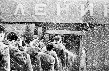 Московские снегопады на чёрно-белых фотографиях прошлого века.
