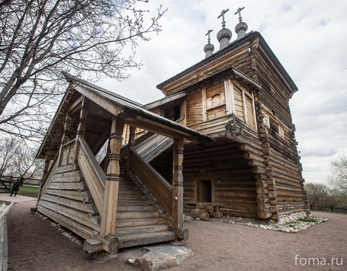2016-04-19A23K9531-Moskva-Glazunov-vyistavka-s