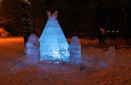 На площадке «Лес чудес» в Измайловском парке открылась выставка ледяных скульптур