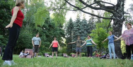 В «Сокольниках» стартовала серия занятий гимнастикой