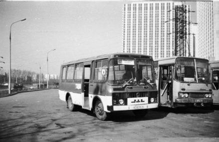 Автовокзал возле гостиницы Измайлово 1990-1998г.