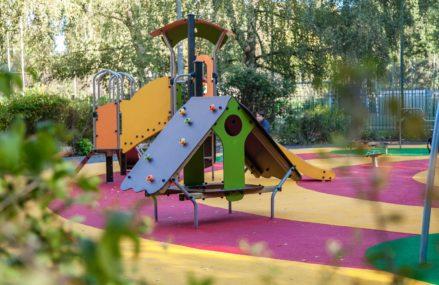 В парке Сокольники появилась новая современная детская площадка