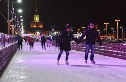 В Москве откроется 8 катков с искусственным льдом