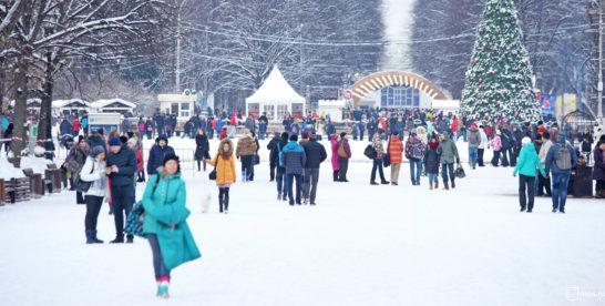 Новогодние поздравления от звезд эстрады, театра и кино прозвучат в парках Москвы