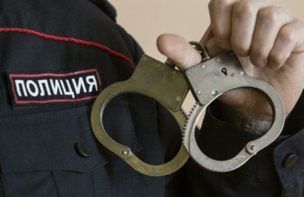 Школьница отдала бессовестному юноше украшений на 400 тысяч рублей, чтобы тот не публиковал ее голые фото