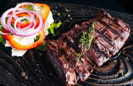 Заведения Москвы, где готовят самые вкусные мясные блюда