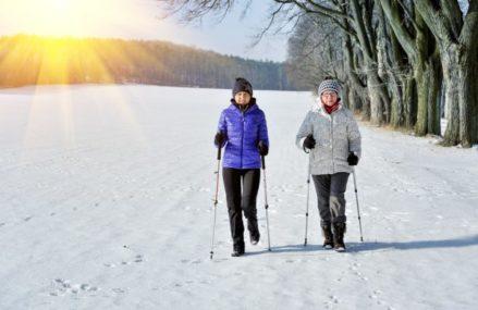 Здоровье новокосинцам возвращает скандинавская ходьба