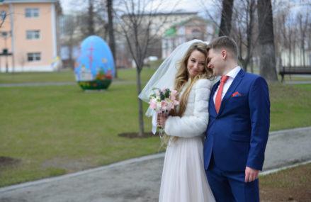 Порядка 1,5 тысячи столичных пар заключили брак на Красную горку