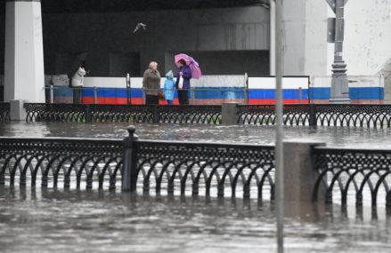 Куда пожаловаться на подтопления в Москве и Подмосковье