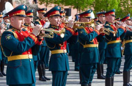 В Перовском парке в субботу даст концерт военный духовой оркестр