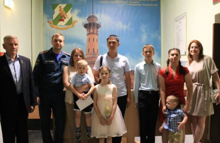Житель района Новокосино спас девятилетнюю девочку из горящей квартиры