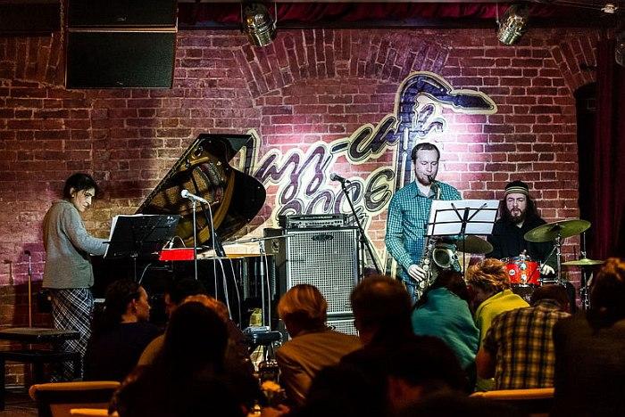 джазовые клубы москвы с живой