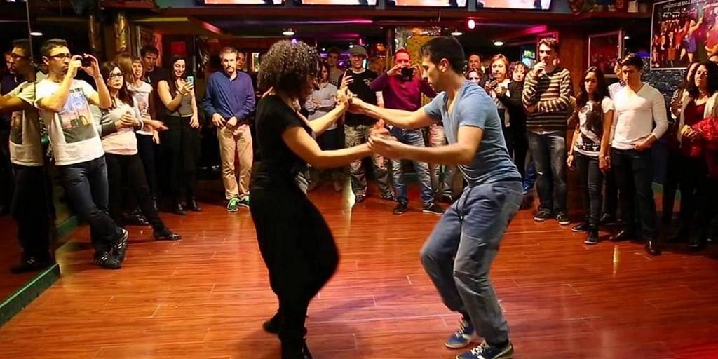 Ночные клубы москвы латиноамериканские танцы москва клуб огни