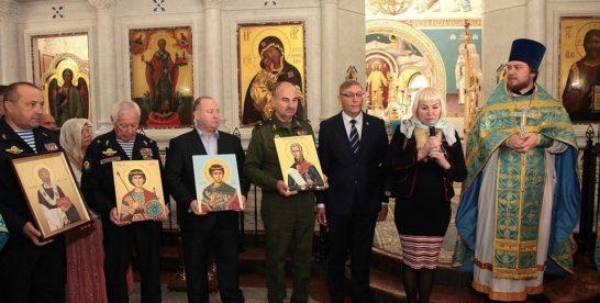 Главному храму ВДВ в Москве передали иконы с частицами мощей праведных воинов