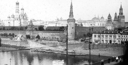 Родник-убийца в башне Кремля