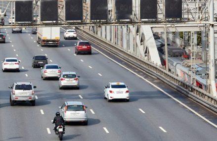 Беспилотные автомобили и наказания для таксистов: что изменится с 1 декабря