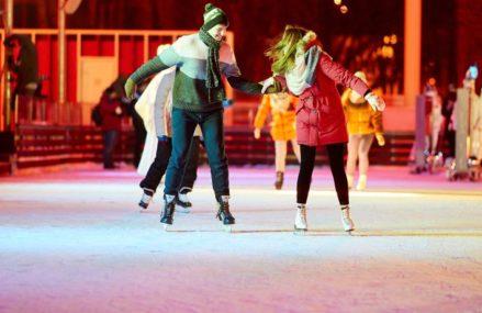 Зима как искусство: где покататься на коньках в Москве