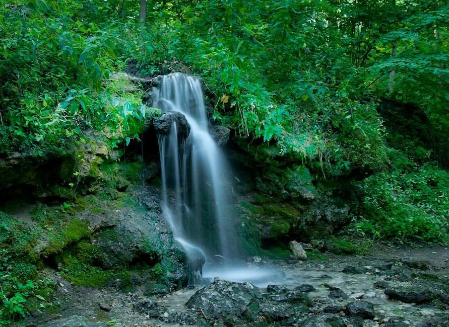 водопад в Пущине