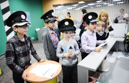 Рост пенсий и переход на «Мир»: как изменится жизнь москвичей с 1 мая