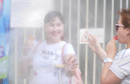 Реклама Halls в буквальном смысле освежает посетителей парка Сокольники