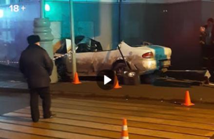 Легковой автомобиль сбил трёх человек и влетел в вестибюль станции МЦК «Окружная».
