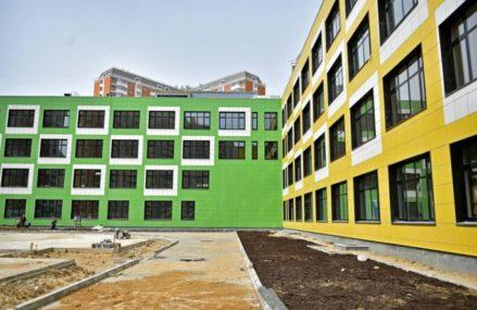Вскоре в Москве заработают семь новых детсадов и три школы