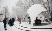 В парке «Сокольники» на выходных появился зимний рояль
