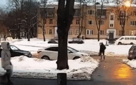 Авто на огромной скорости сбило пешехода в Москве — очень жёсткое видео