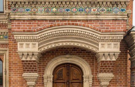 Самые красивые двери Москвы