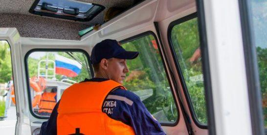 Столичные спасатели вытащили из пруда тонувшего ребенка