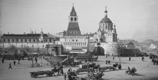 Грязи было по колено: история уборки московских улиц