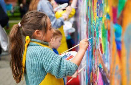 Вокал, актерское мастерство и археология: новые детские занятия в парках