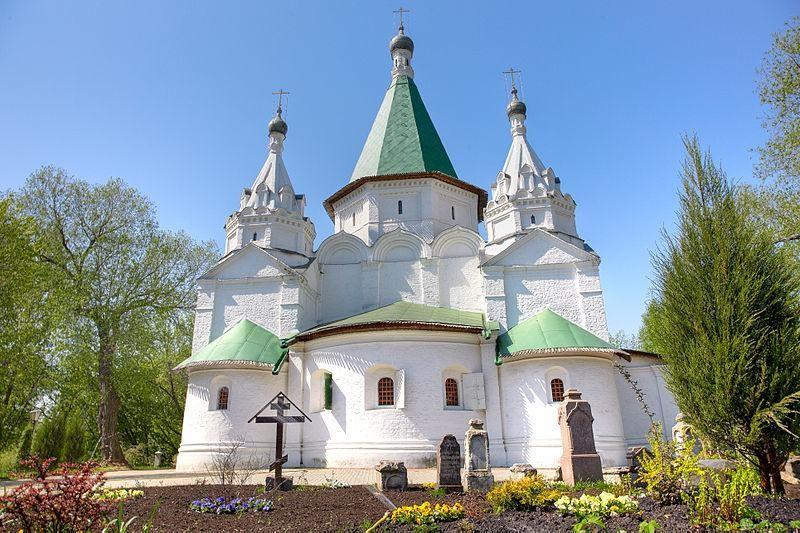 Храм Троицы Живоначальной в Троицком-Голенищеве