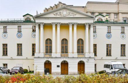 Приют, лазарет и училища. Что семья Рукавишниковых сделала для Москвы