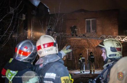 В расселенном доме в Соколиной Горе бомжи устроили пожар