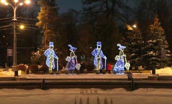 Праздничные каникулы закончились, а парк «Сокольники» продолжает радовать своих гостей атмосферой новогодних чудес