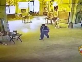 Полицейские поймали москвича, ограбившего храм